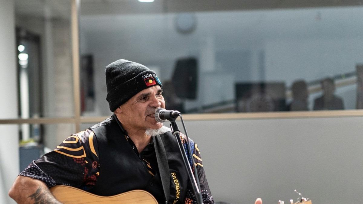 Dale Robert Huddleston, a Ngardi and Wiradjuri man, singing
